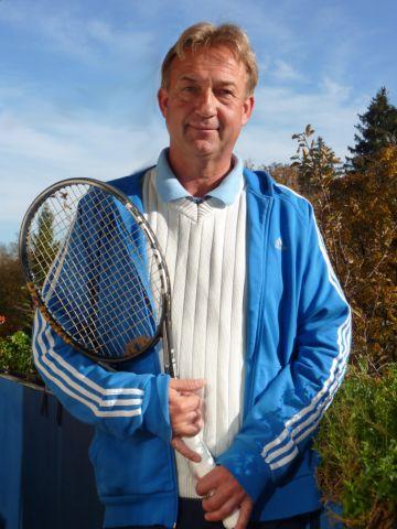 Tennis Kail